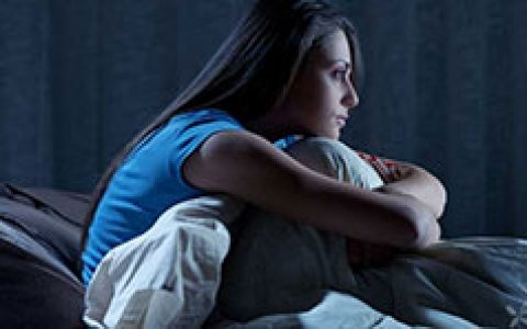 临睡前吃得不对的话,会导致失眠多梦