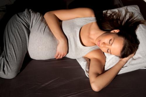 孕妇最佳睡眠时间,孕妇睡眠不好的原因以及注意事项